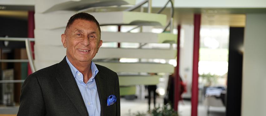 Professori Andrew Kakabadse - Henley Business School Finland