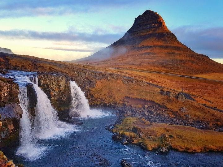 Reducing working hours in Iceland - Henley Business School Suomessa
