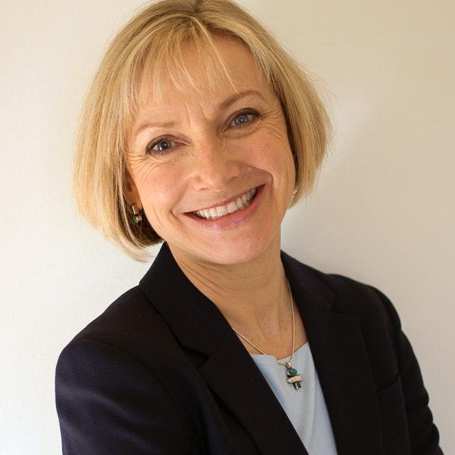 Elizabeth Crosse - Henley Business School Finland